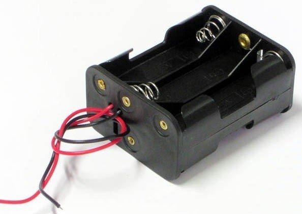 Koszyk na baterie R6x6 z kabelkiem