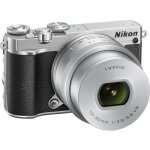 Nikon 1 J5 Kit silver + 10-30 PD-Zoom