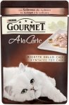 GOURMET A la Carte - Kawałki w sosie z łososiem morskim à la Florentine, ze szpinakiem i marchewką 85g. Dla dorosłych kotów.