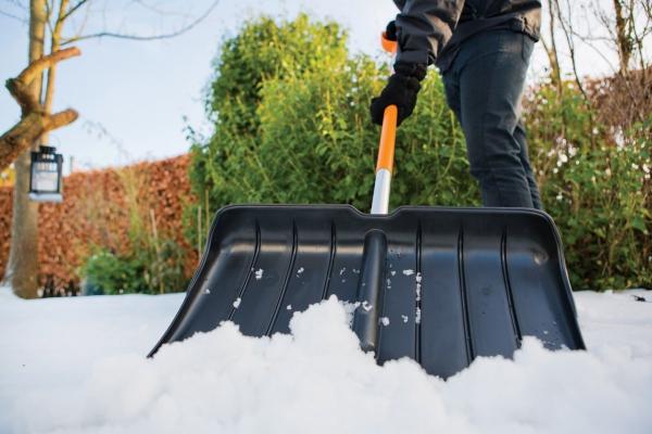 Łopata do śniegu Fiskars SnowXpert 1003469