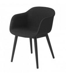Muuto FIBER ARMCHAIR WOOD BASE Krzesło - Czarne z Tapicerowanym Siedziskiem w Kolorze Czarnym /Drewniana Rama Naturalna