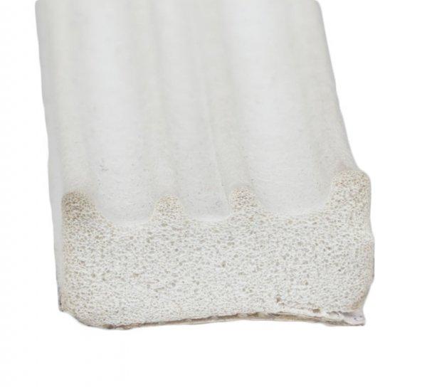 Uszczelka samoprzylepna biała 15x8 (SD-84) 1m