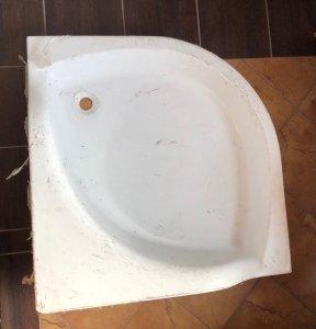 Brodzik półokrągły z siedziskiem 90 15 cm
