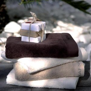 Ręcznik NAF NAF - Casual - brązowy