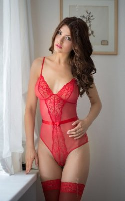 Linda - red 1841 body