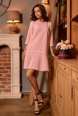 Prosta sukienka mini z plisowaniami L266 pudrowy róż