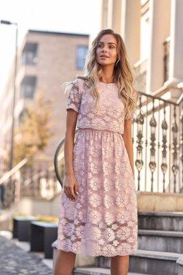 M405 Koronkowa sukienka midi - różowa
