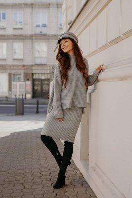 Komplet swetrowy – spódnica i sweter z golfem LS308 jasnoszary