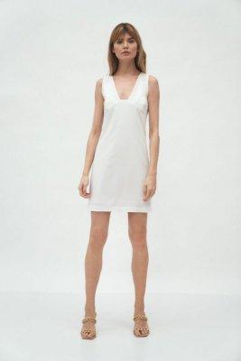 Sukienka z głębokim dekoltem w kolorze ecru - S173