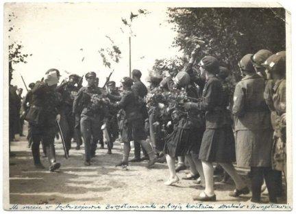 [WOJSKO Polskie - żołnierze z 40. Pułku Piechoty Dzieci Lwowskich ze Lwowa na ćwiczeniach - fotografie sytuacyjne]. [1928]
