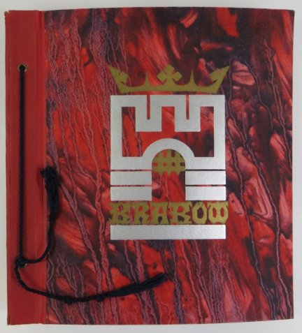Album na fotografie [na licu oprawy stylizowany herb Krakowa]