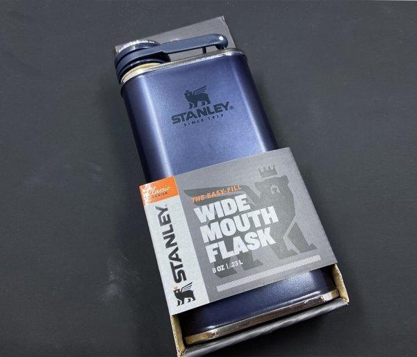 Piersiówka STANLEY Classic Easy Fill Wide Mouth Flask 230 ml granatowy