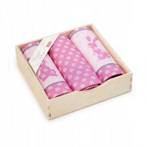 Komplet kuchenny w drewnianym pudełku. Ścierki kuchenne Zwoltex Szarak Amarant 2x50x70 + 1x30x50 cm