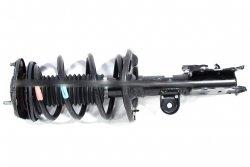 Amortyzator przód lewy Lexus CT 200h 2012-2014 1.8