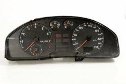 Licznik zegary Audi A4 B5 1997 1.6i