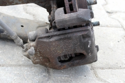 Zacisk hamulcowy przód lewy Ford Fusion 2002-2011 1.6i