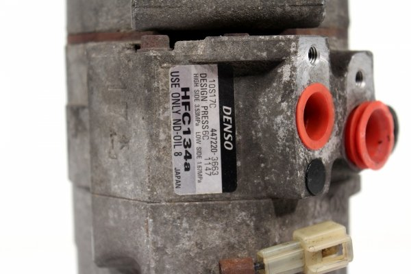 Sprężarka klimatyzacji Mazda MPV 2001 2.0
