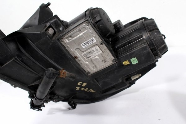 Reflektor prawy Citroen C8 2006 Xenon