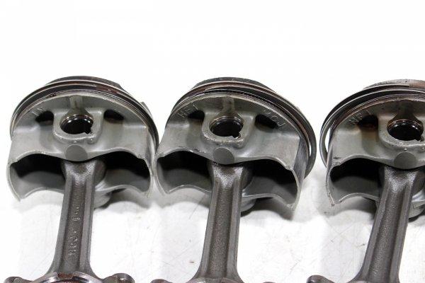 Tłok tłoki komplet Honda CBR 954RR Fireblade SC50 2002