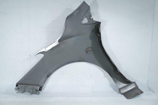 Błotnik przód prawy Mazda 2 DE 2009 (kod lakieru 38P)