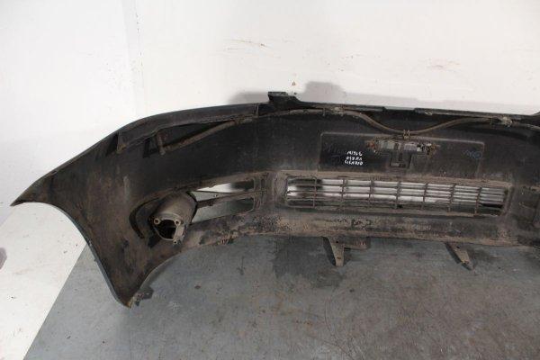 Zderzak przód Toyota Avensis Verso 2002