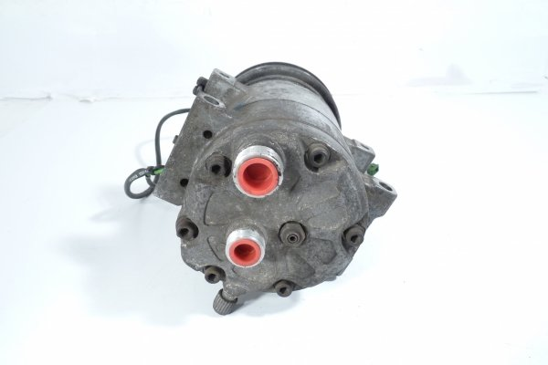 Sprężarka pompa klimatyzacji Audi A6 C4 1996 2.5TDI