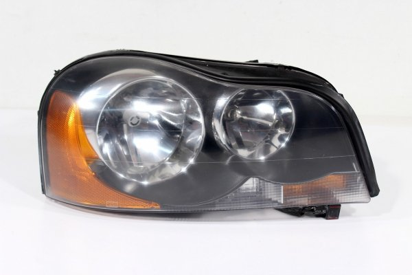 Reflektor prawy Volvo XC90 2005