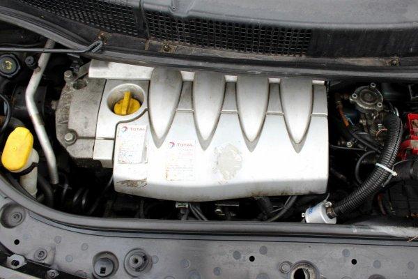Renault Scenic II 2004 1.6i K4M782