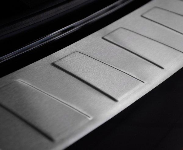 BMW 3 F30 FL 4D SEDAN od 2015 Nakładka na zderzak TRAPEZ Mat