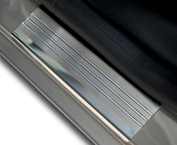 VOLVO XC90 od 2015 Nakładki progowe - stal + poliuretan [ 4szt ]