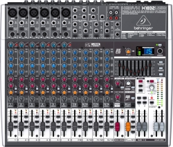 Behringer Mikser kompaktowy XENYX X1832USB