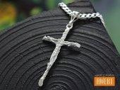 Klasyczny srebrny krzyżyk z Jezusem długi