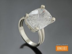 ADELE srebrny pierścionek z dużą cyrkonią roz.13