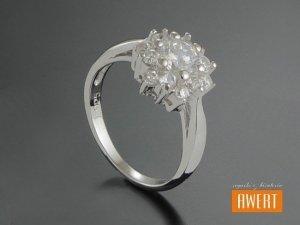 AIKA CRYSTAL srebrny pierścionek z cyrkoniami roz.11