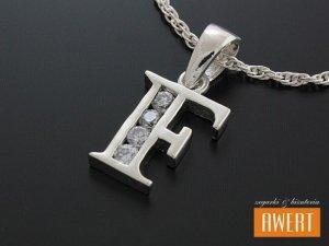 Literka F wisiorek srebrny z cyrkoniami