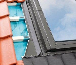 Eindeckrahmen Fakro EHV-AT Thermo mit zusätzlicher Themoisolation www.house-4u.eu