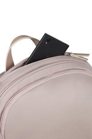 Plecak posiada dużą kieszeń na dokumenty, akta