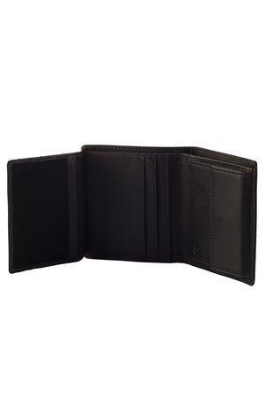 Portfel posiada ruchomą część otwieraną w bok z okienkiem z siateczki . Portfel posiada dwie przegrody na banknoty