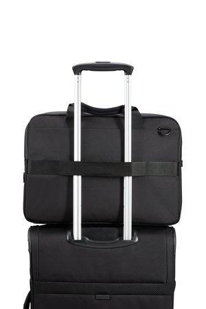 Torba posiada pas, który umożliwia nałożenie torby na stelaż bagażu
