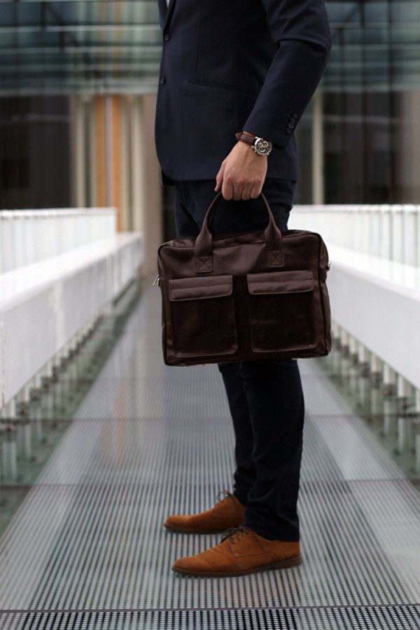 Skórzana torba na laptopa Solome Windsor brązowa look 1