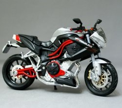 Model motocykla Benelli Tornado Naked Tre Titanium Skala 1:12