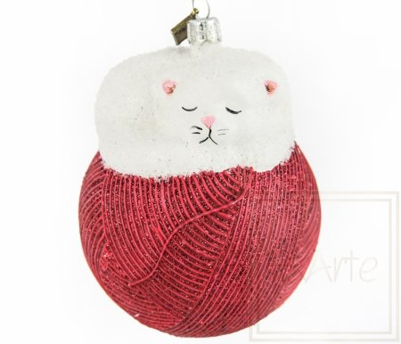 Katze 11cm – Auf einem roten Knäuel