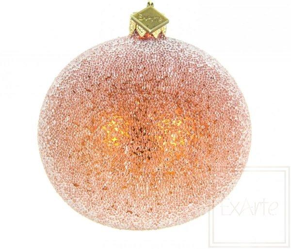 oszroniona pomarańczowa bombka szklana