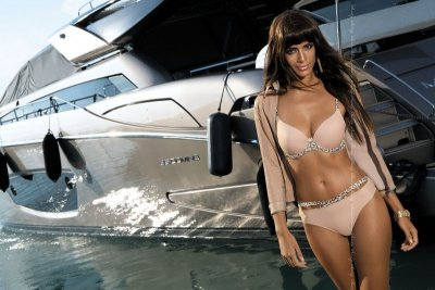 Kinga Cannes II S-273/1 Stringi