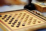 Warcaby - jedna z najstarszych i najpopolarniejszych gier planszowych