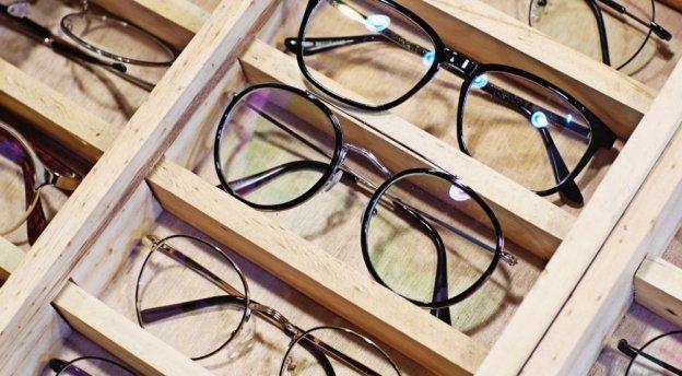 Typy szkieł do okularów – wady i zalety poszczególnych rodzajów