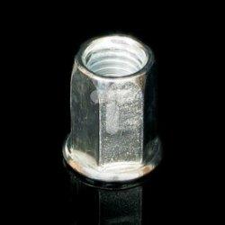 Nakrętka szczeciokątna M 8 ZNCR /100szt/