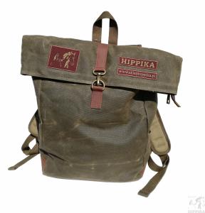 Plecak woskowany z naszywkami Hippiki