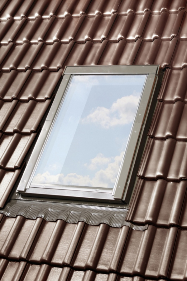 KOMPLET: Okno dachowe OPTILIGHT 66x118 VB+ NAWIEWNIK + KOŁNIERZ