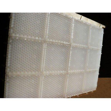 Puzzel z komórkami plastrowymi do pierzgi